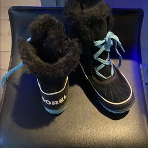 Sorel youth winter boots size 3